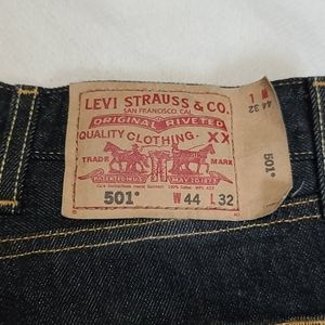Levi's 501 Straight Leg Button Fly Jeans Sz 44x32
